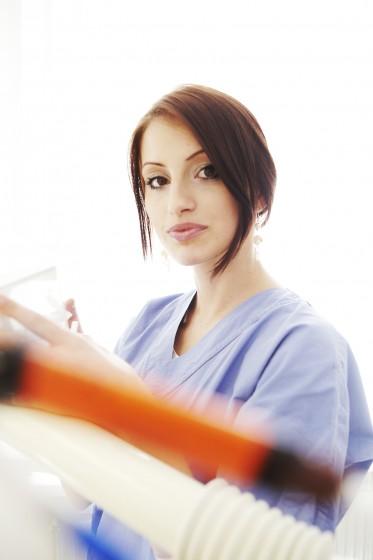 Mila Zahnärztliche Assistentin mit Schwerpunkt OP-Assistenz